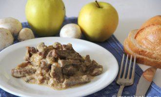 бефстроганов из говядины в мультиварке - рецепт с фото