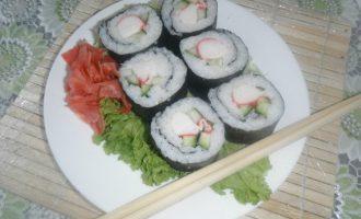 как приготовить роллы с крабовым мясом - рецепт с фото