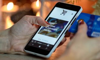 Интернет-магазин Ozon заявил об отмене бесплатной доставки