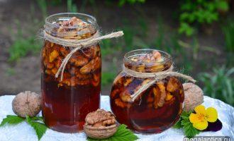 Мёд из одуванчиков с грецкими орехами