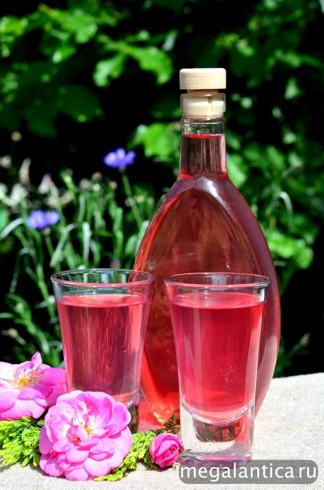 Ликер из чайной розы
