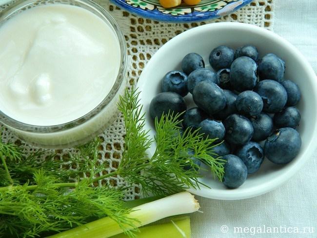 Салат с ягодами - рецепт с фото