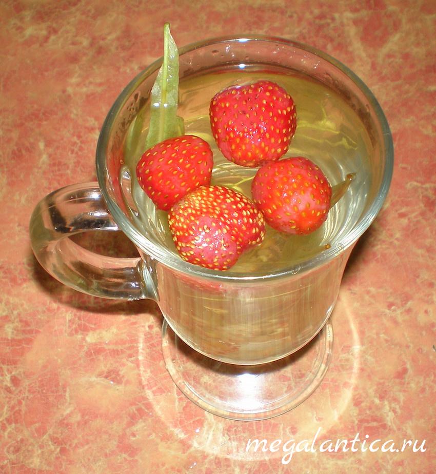 Чай с липой и ягодами - рецепт с фото