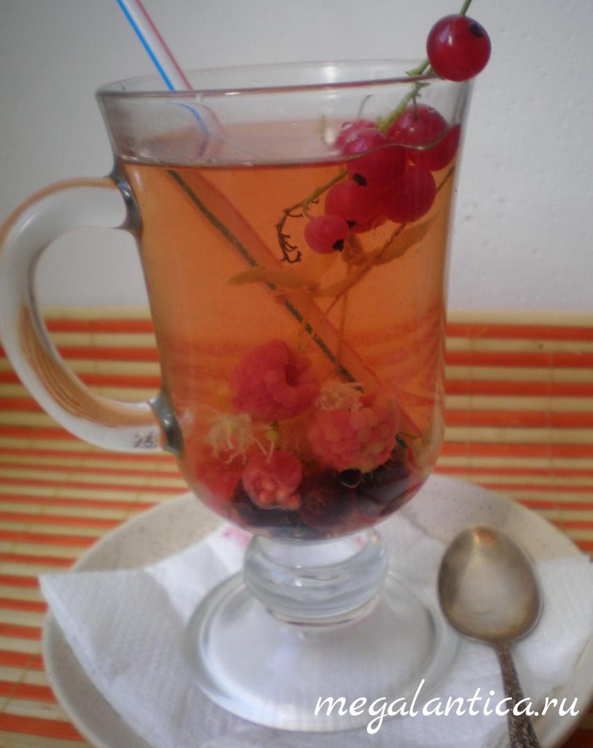 липовый чай с ягодами - рецепт с фото