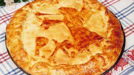 Мясной пирог с фитаксой и сыром «К Рождеству Христову»